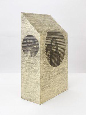 Persiana Americana Sculpture on Paper, 2017, 47,5 x 28,3 x 13,5 cm