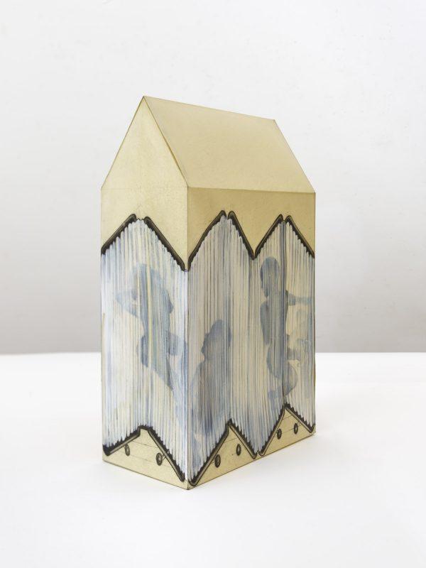 Una Noche en el Hospital, Sculpture on Paper, 2017, 50,5 x 30 x 16 cm, Ausstellung Berlin Now, at David Nolan Gallery